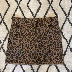 Leopard print mini